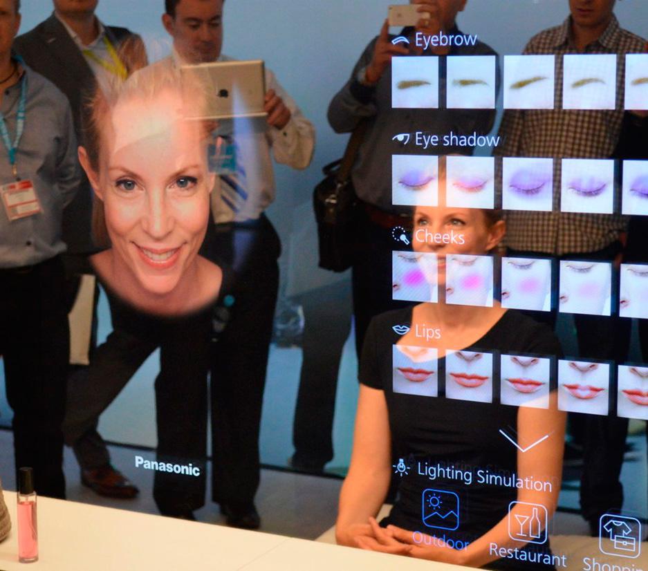 Panasonic Smart Mirror, el espejo que muestra qué falla en tu rostro
