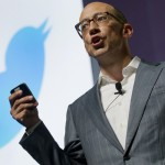 Dimite Dick Costolo, CEO de Twitter